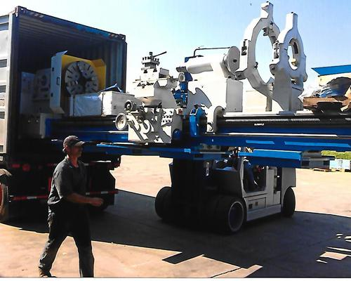 Loading a Poreba lathe for export